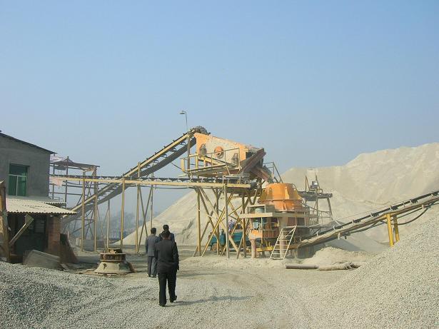 内蒙古赤峰制沙生产现场